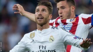 Mkufunzi wa Real Madrid Zinedine Zidane amezuia kuondoka kwa beki wa Uhispania Sergio Ramos