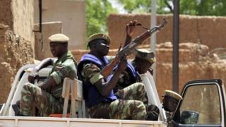 در این حمله، نیروهای دولتی به محل اعزام شده اند