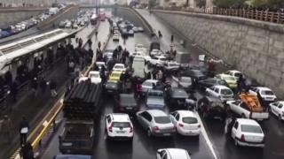 تجمع اعتراضی و مسدود شدن اتوبان امام علی تهران