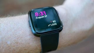 Fitbit Versa device