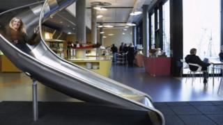 بعض أماكن العمل التي توفر وسائل الراحة والترفيه للعاملين