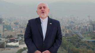 وزیر خارجه ایران دو پیام ویدئویی جدا به زبان های فارسی و انگلیسی درباره تحریم های اخیر آمریکا داده است