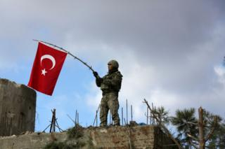 عملیات نظامی ترکیه علیه نیروهای کرد در عفرین در شمال غرب سوریه از ده روز پیش آغاز شده