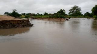 Ghana floods: At least 28 pipo don die for days heavy rain