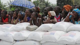 centrafrique, des humanitaires suspendent leurs activités