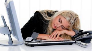 Втомлена жінка