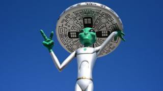 An Alien sculpture