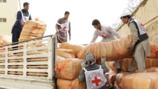 امدادگران صلیب سرخ در افغانستان