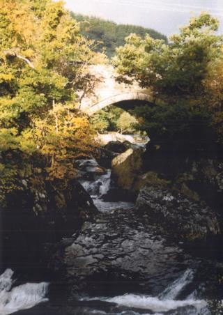 Pont Cyfyng ac Afon Lligwy, Capel Curig. Medi 1996.