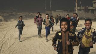 Niños en Qayyarah