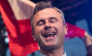 Norbert Hofer sings on stage at final election rally (20 May)