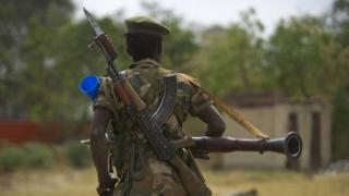 Ingabo za Riek Machar zisugerejwe mu birindiro vyazo
