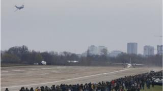 Перший політ транспортника є початком нового етапу випробувань Ан-132D.
