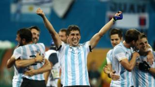 Argentina celebra oro en hockey sobre césped