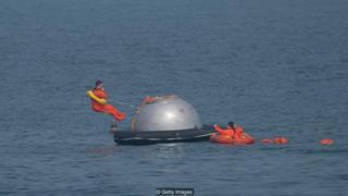 Progam ini sekaligus melatih bagaimana astronot-astronot ESA melakukan pendaratan mendadak di air