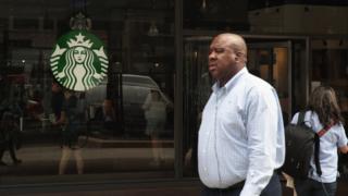 8 bin Starbucks 'ırkçılık' eğitim için aynı anda kapandı