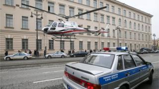 Полиция и спасатели на месте происшествия