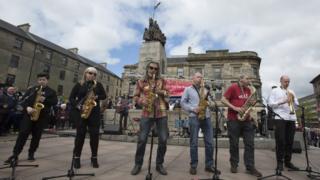 Saxophone tribute