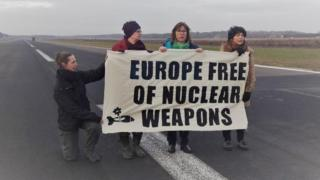 Protesters at Belgian air base