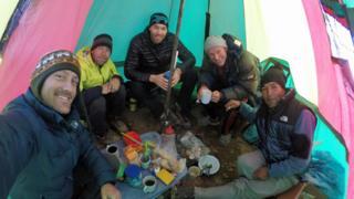 El equipo: (desde la izquierda) Dan Futrell, Isaac Stoner, Peter Frick-Wright, Jose Lazo, Robert Rauch