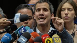 غوايدو يدعو الليش مساندته ويعد بالعفو عمن دعم مادورو
