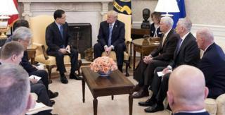 两名刚结束访朝的韩国官员将金正恩的口信转达给特朗普