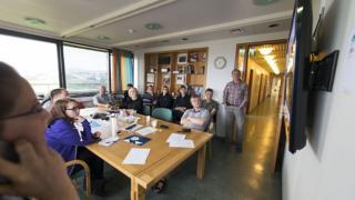 İzlanda'da ofis çalışanları