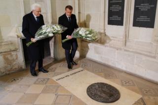 İtalya Cumhurbaşkanı Sergio Mattarella ve Fransız mevkidaşı Emmanuel Macron, Da Vinci'nin mezarının olduğu Château d'Amboise'de anma törenine katıldı