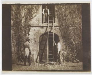 лестница и двое мужчин