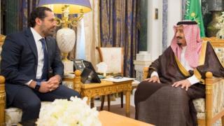 Eski Lübnan Başbakanı Hariri, istifasından 48 saat sonra Pazartesi günü Riyad'da Suudi Arabistan Kralı Abdülaziz el Suud'la bir araya geldi