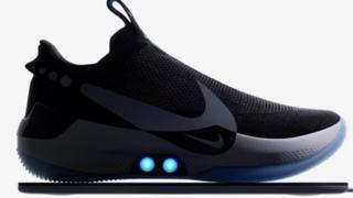 نايكي تطلق حذاء ذكيا يُضبط على مقاس القدم من خلال الهاتف