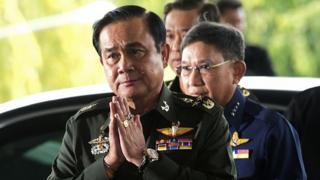 พล.อ.ประยุทธ์ จันทร์โอชา ถือเป็นหัวหน้าคณะรัฐประหารคนที่ 5 ในประวัติศาสตร์การเมืองไทย ที่ควบตำแหน่งนายกรัฐมนตรี