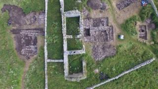 Viking hall dig Orkney