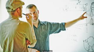 Nếu bạn không biết cách ủy nhiệm, phân chia bớt việc cho người khác thì bạn sẽ rất khó dứt ra khỏi công việc