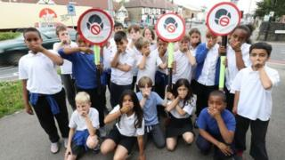 Pupils protest air pollution levels