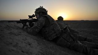 یک سرباز بریتانیایی در افغانستان