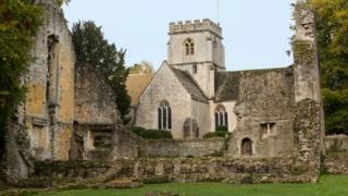 Развалины аббатства в Оксфордшире