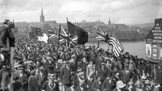 loyalist parade 1930s