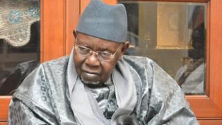 Il avait succédé à son grand frère, Serigne Cheikh Tidiane Sy Al Maktoum, décédé en mars dernier.
