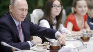 """Путин на конкурсе """"Семья года"""""""