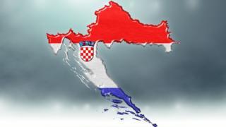 Bandera de Croacia con el mapa del país.