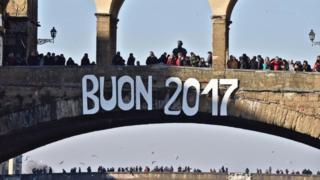 شهد العديد من عواصم العالم احتفالات بحلول عام 2017