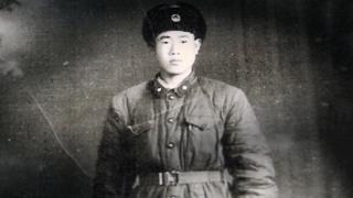 वांग 1960 में चीनी सेना में भर्ती हुए थे