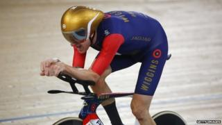 Sir Bradley Wiggins breaking the UCI Hour Record