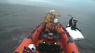 Lifeboat approaches casualties
