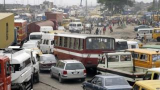 Hold up for Lagos road