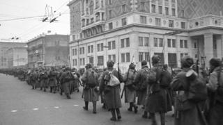 Фронтко бараткан советтик жоокерлер, Москва, 1-ноябрь 1941-жыл