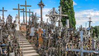 Bukit Salib menjadi destinasi wisata ziarah di Lithuania