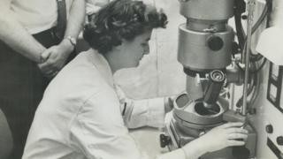 June Almeida with her electron microscope at the Ontario Cancer Institute in Toronto in 1963