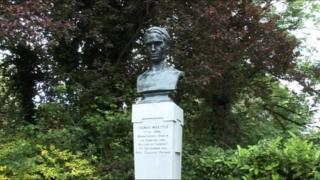 A bust of WW1 soldier Thomas Kettle has been erected in St Stephen's Green in the centre of Dublin